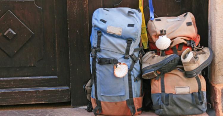 Los objetos y enseres que no deben faltar en tu mochila durante el Camino de Santiago